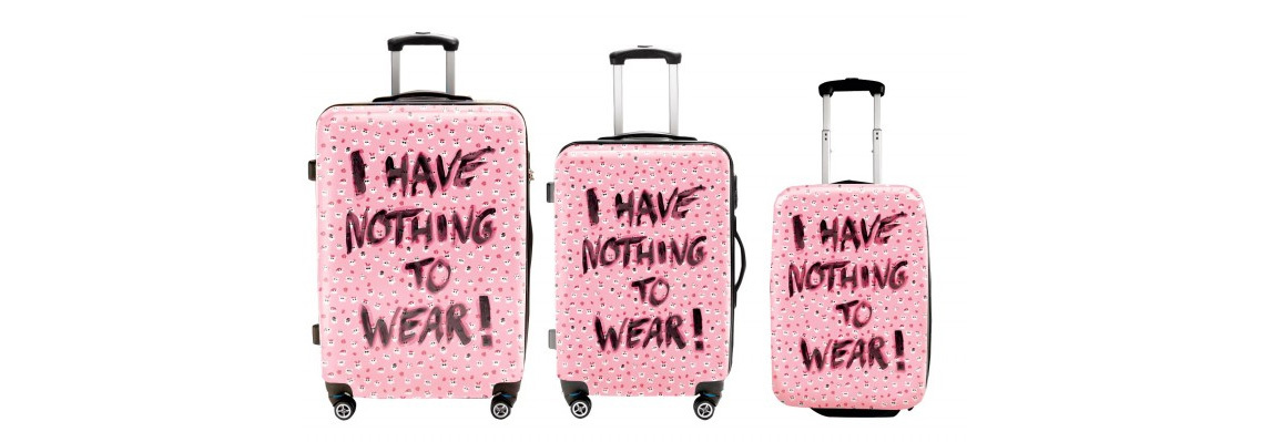 Набор чемоданов розового цвета - i have nothing to wear.